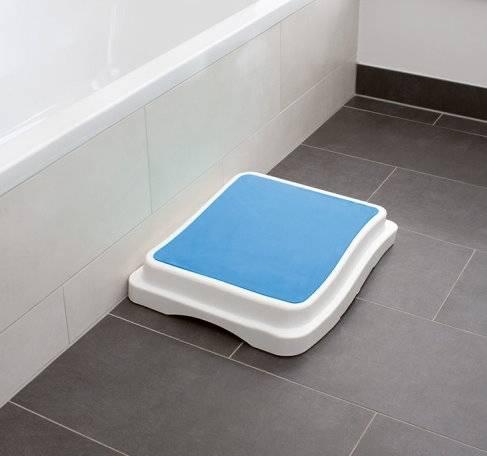 Badestufen als Einstiegshilfe für die Badewanne, stapelbar