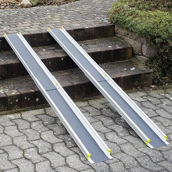 Schmale Aluminium-Rollstuhlrampe basic mit rutschfester Lauffläche