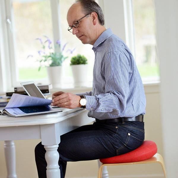 Sitzkissen Sitfit Plus bei Rückenverspannungen